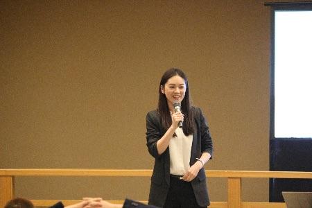 今年度から客員准教授に就任した小西さやか先生によるUVケアの講義