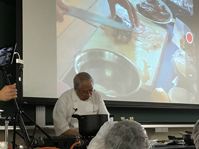 KIHACHI創業者 熊谷喜八氏に料理の実習を実施していただきました。